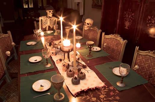 Horror dinner party table